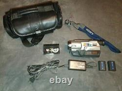 Sony Digital Handycam Video Camera Recorder Hi8 CCD-TRV308 TESTED with extras